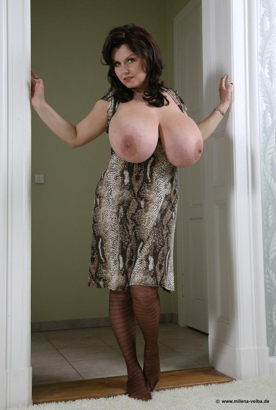 фото большая грудь женщин в возрасте что